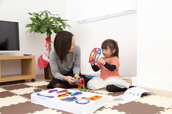 お子さんが安心して待てるように♪広々したキッズルームを用意しております。